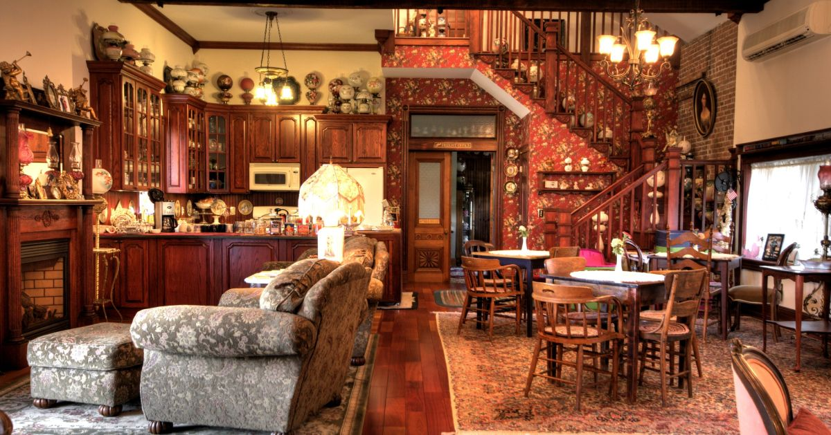 furniture and antique decor in a common room